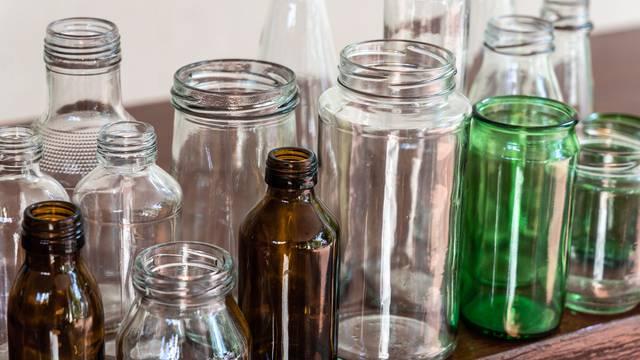 Kontroverzna studija: Staklene boce su štetnije od plastičnih?