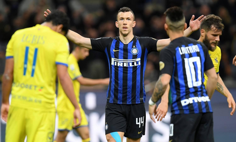 Ipak ništa od zamjene, United više ne želi Perišića za Belgijca