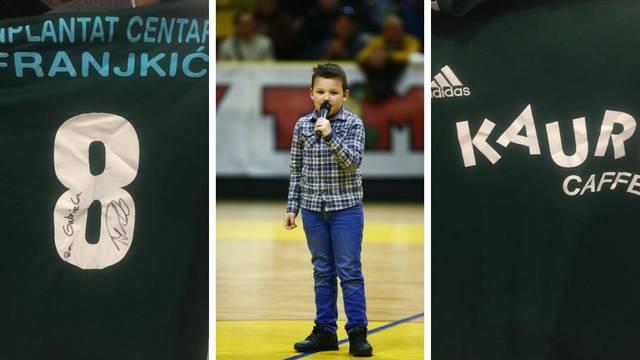 Mario Pašalić poklonio je dres ''Malom Miši'' Gabrielu Čačiću!