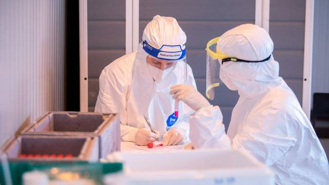 Francuska: Obavezno cijepljenje za sve zdravstvene radnike