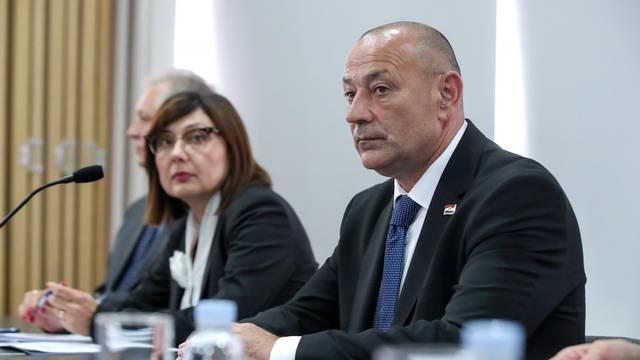 Zagreb: Okrugli stol o mirovinama hrvatskih branitelja ostvarenim po posebnim propisima