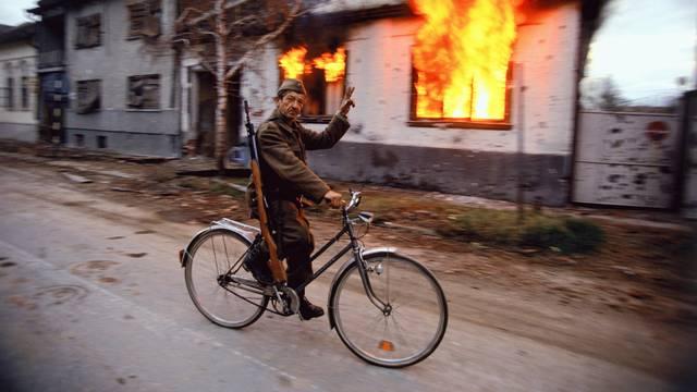 Američki fotograf za 24sata: 'Gledao sam smaknuća ljudi u Vukovaru, nisu mi dali snimati'