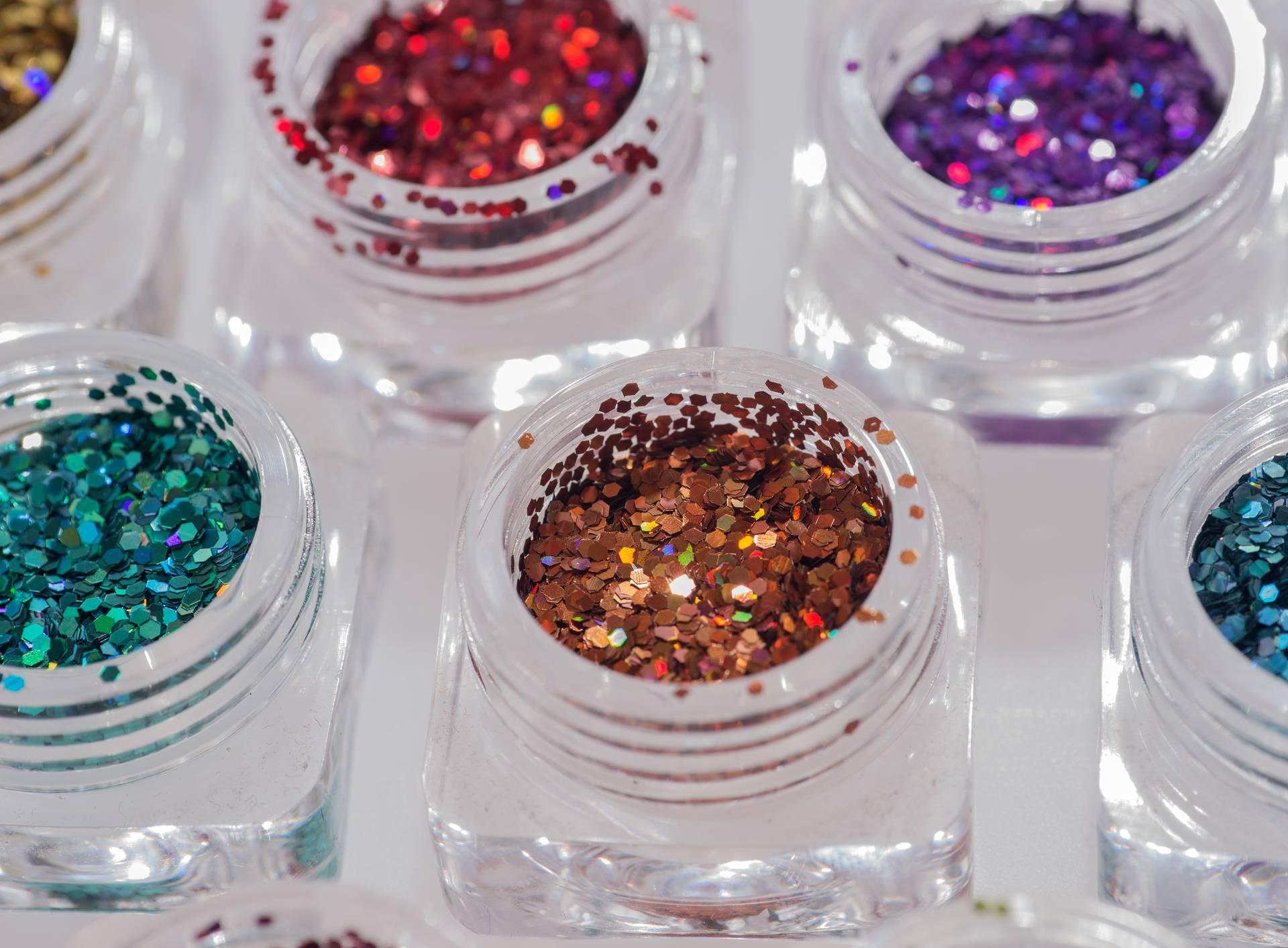 Glitteri su puni mikroplastike i treba ih zamijeniti eko-opcijom