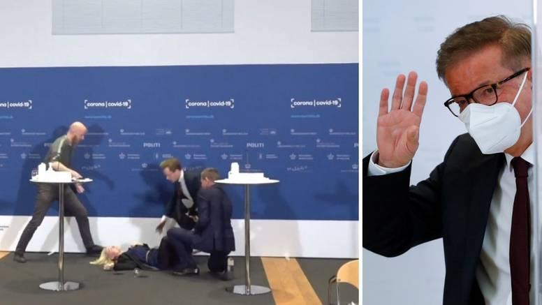 VIDEO Dankinja se onesvijestila dok je pričala o cjepivu, a drugi dali otkaze jer su kolabirali