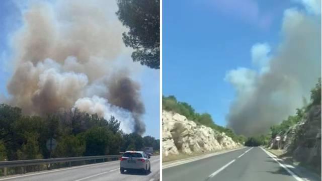 VIDEO Požar kod Pakoštana, u pomoć dolaze i zračne snage