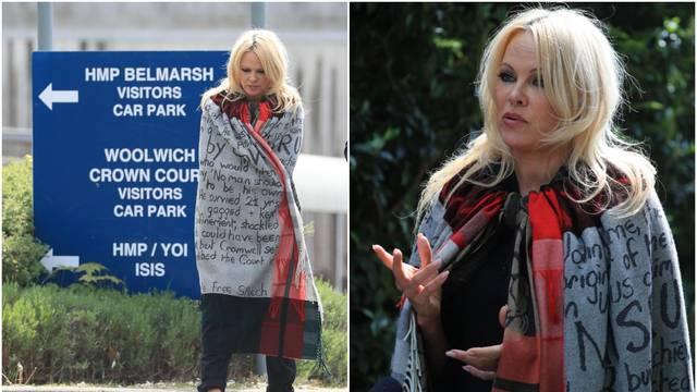 Pamela Anderson je posjetila Juliana Assangea u zatvoru