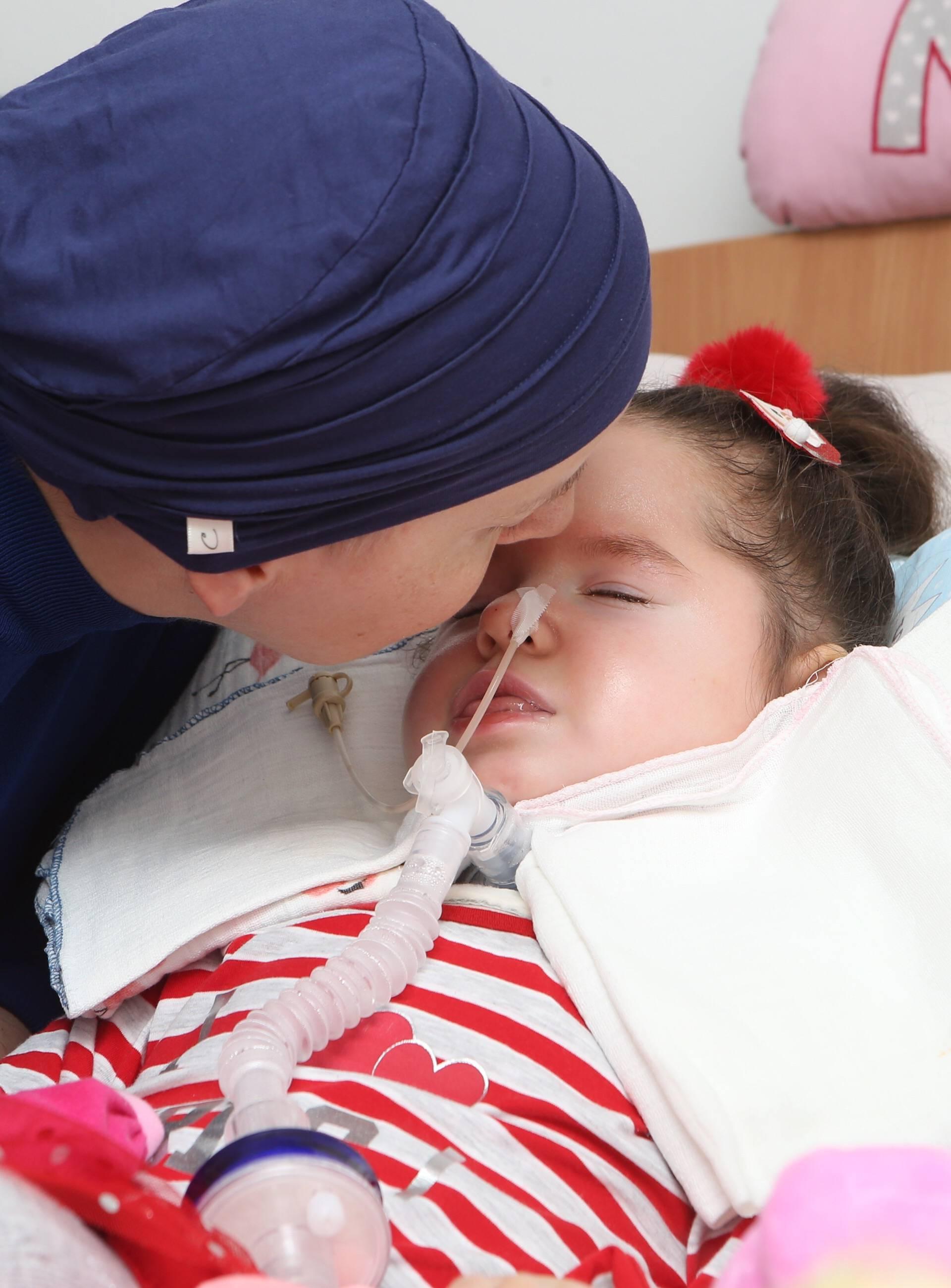 Vapaj majke: 'Budite ljudi jer moja Nora više ne može čekati'