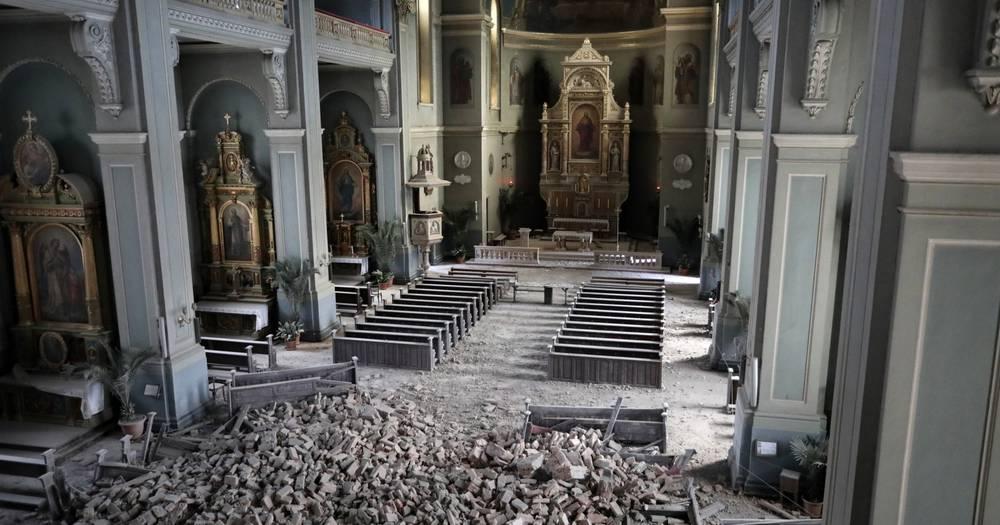Crkva U Palmoticevoj Ostecena Urusio Se Strop Iznad Ulaza 24sata