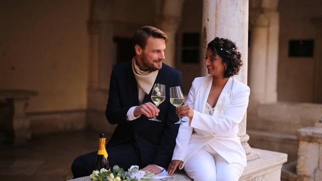 Zimsko vjenčanje na Korčuli: Jaś i Suzanne zaljubili se u otok i odlučili se oženiti upravo tamo