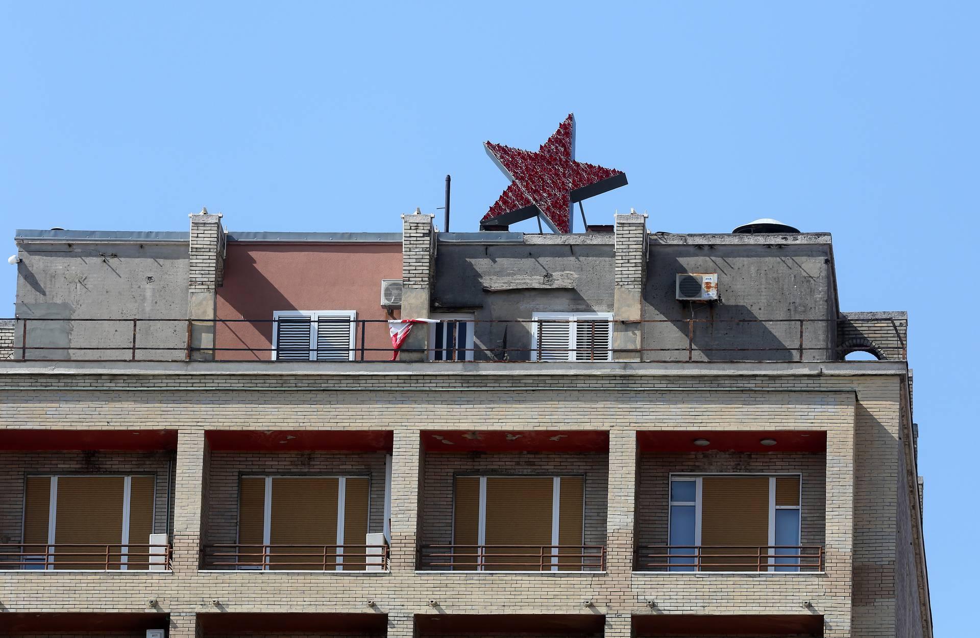 Ne stišavaju se reakcije na Spomenik crvenoj Rijeci: 'To je plitka politička provokacija!'