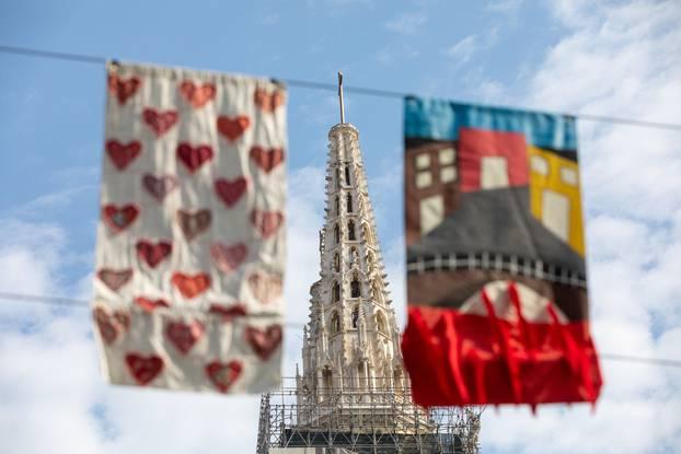 Čak 260 umjetničkih zastavica vijori se središtem Zagreba