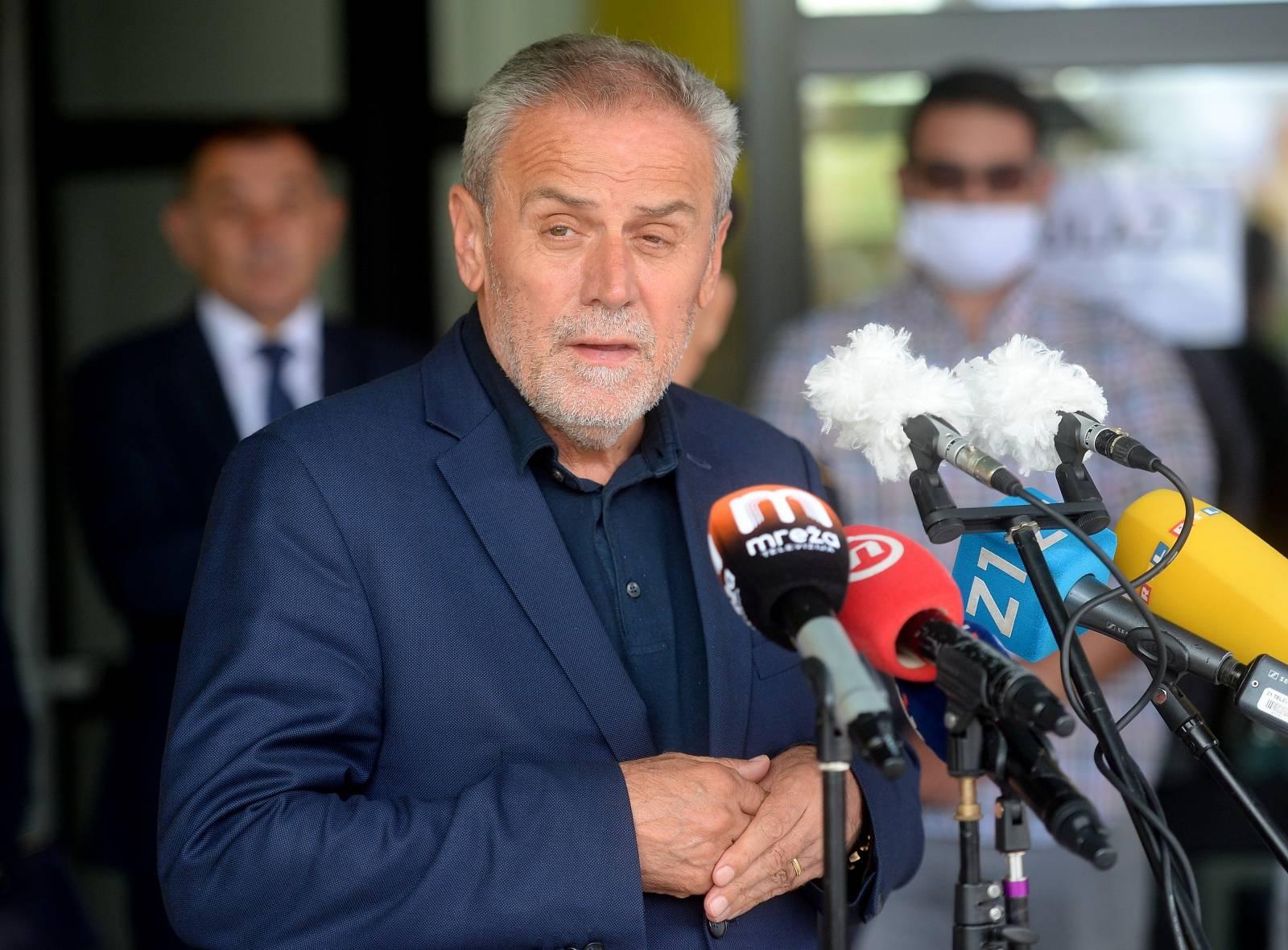 Zagreb: Bandić u Resniku otvorio  novu osnovnu školu, dječji vrtić, objekt mjesne samouprave i objekt DVD-a