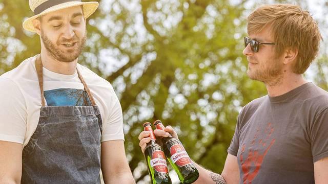 Uživanje u roštiljanju: Otkrijte kako brzo rashladiti pivo