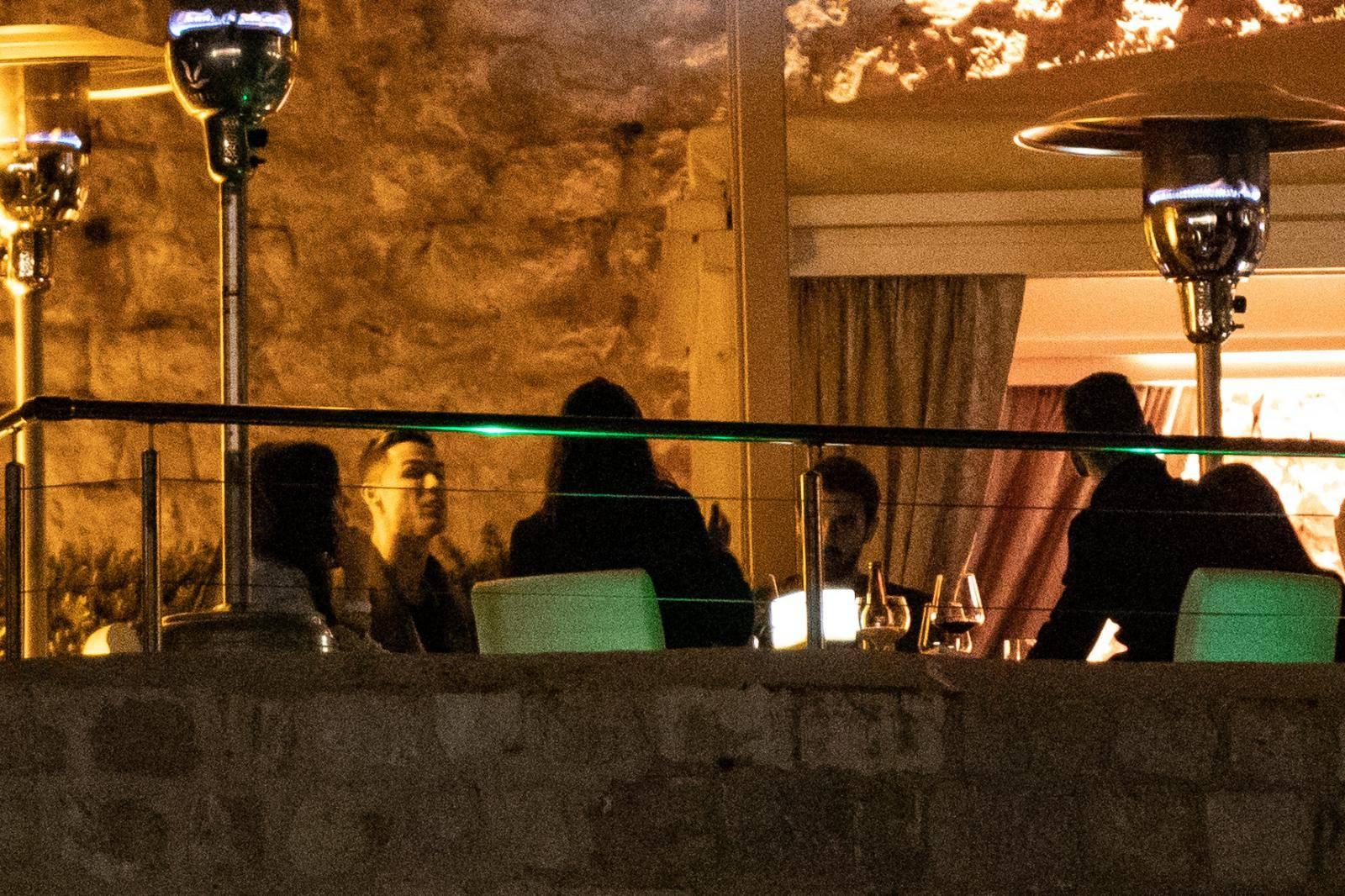 Ronaldova zaručnica izazovno pozira u vili: Zove ga 'mužem'
