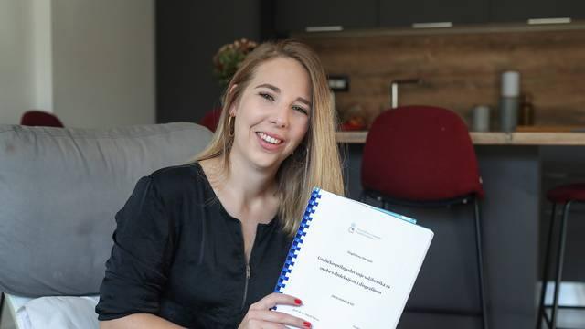 Zbog disleksije nikad nije prošla s peticom, sad je diplomirala za pet na udžbeniku za disleksičare