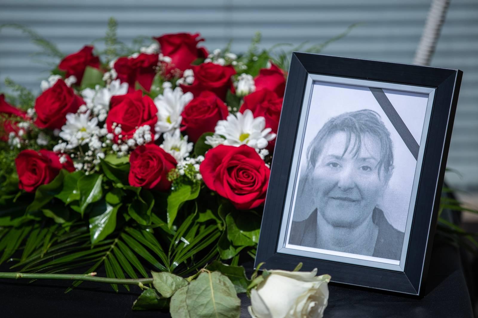 Zagreb: Prosvjed socijalnih radnika nakon jučerašnjeg ubojstva njihove kolegice u Đakovu