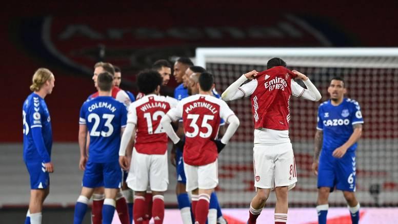 Everton srušio bezidejni Arsenal