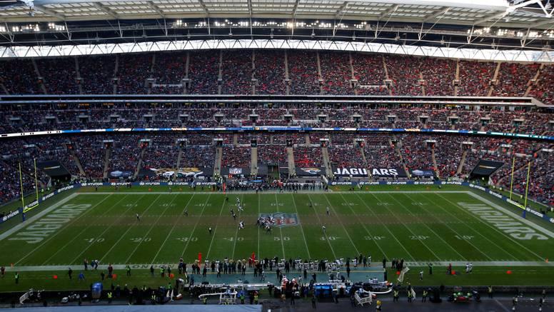 Trava nije savršena: Joshua i NFL 'unakazili' su Wembley...