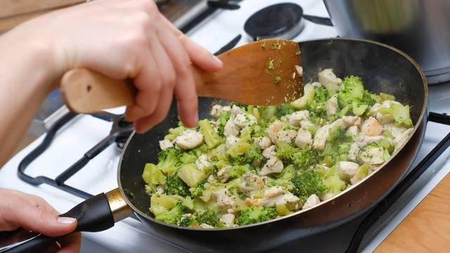 Podgrijavanje i čuvanje kuhane hrane: Riža, gljive i piletina imaju svoja posebna pravila