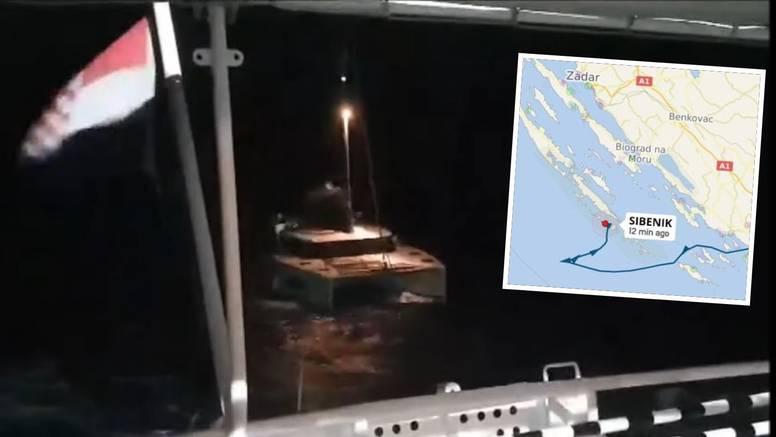 VIDEO Poljaci isplovili po buri i valovima, jedva ih spasili: 'Ovo je bila jedna od najtežih akcija'