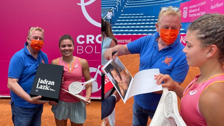 Poklonio sam svoju monografiju Jasmine Paolini, pobjednici WTA Bol Opena - bila je oduševljena!