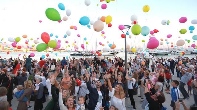 2000 balona prijateljstva