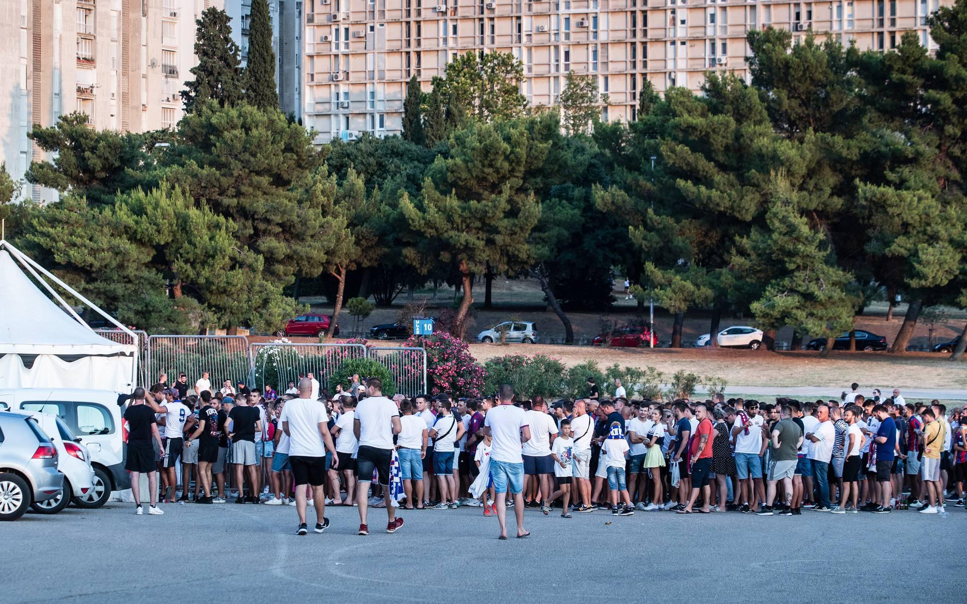 Split: Redovi za testiranje navijača na Poljudu