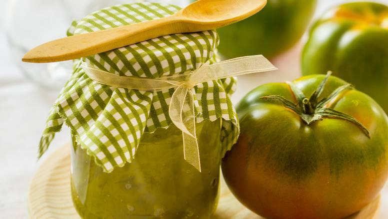Ajvar od zelenih rajčica i hrena