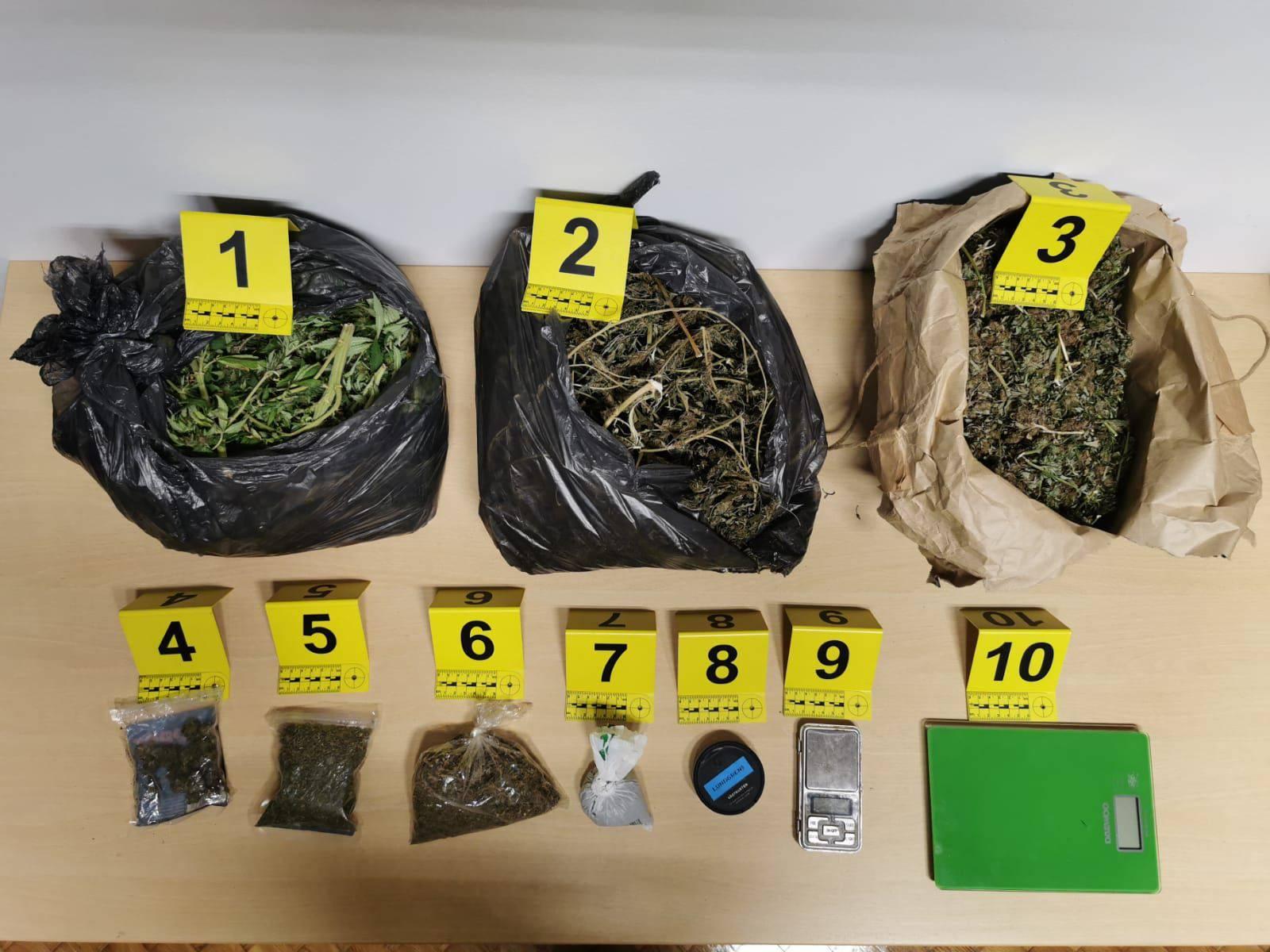 Policija pronašla 4,5 kilograma marihuane, pronađen i heroin