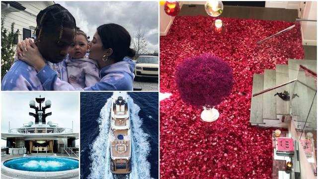 Luksuzna zabava: Kylie dobila kuću punu ruža, slavi na jahti