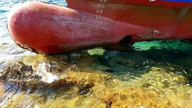 Ribarski brod se nasukao kod Žirja: Kapetan je bio iscrpljen?