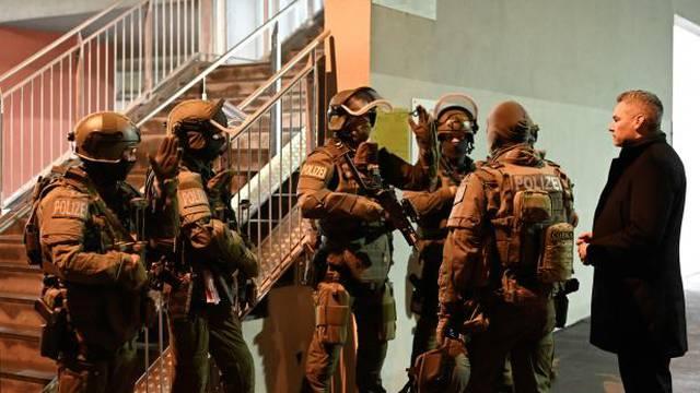 Lov na teroriste: Uhićeno 30 ljudi zbog sumnje na napad