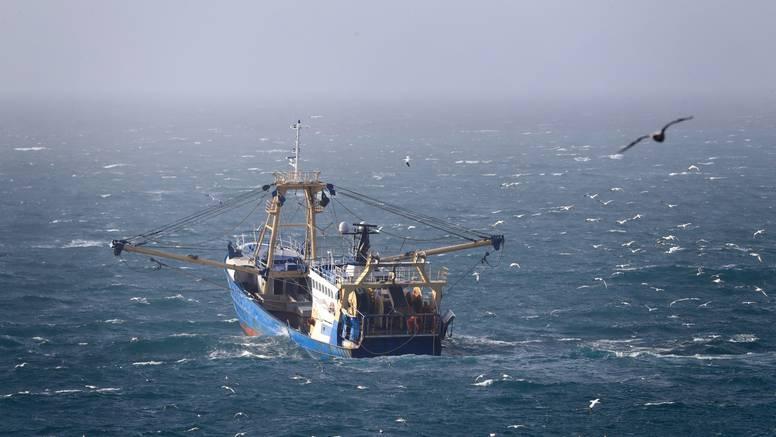 Francuski ribari prosvjeduju u La Mancheu zbog uvjeta izlova nametnutih nakon Brexita