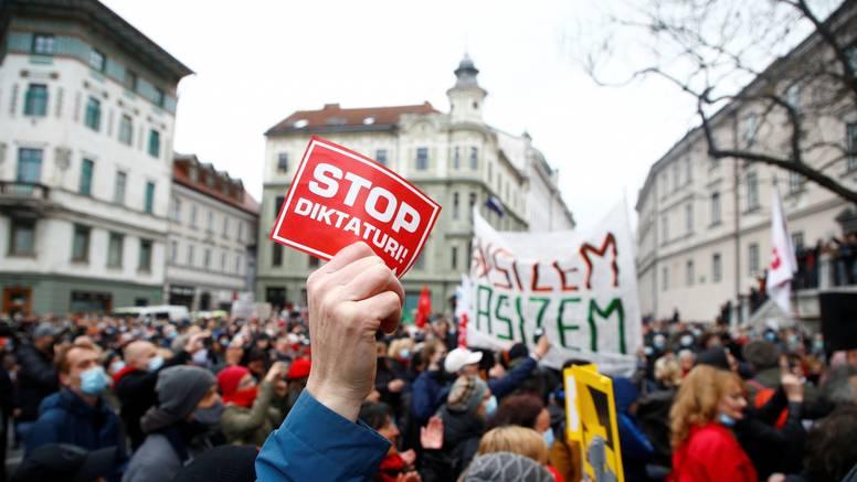 Za popodne najavili veliki prosvjed protiv Janeza Janše