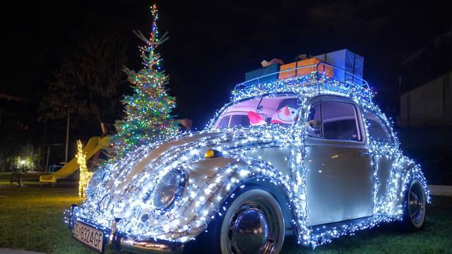 Iza dječjeg igrališta u Zagrebu pažnju plijeni vesela VW buba