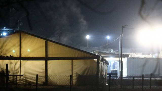 Lokaliziran požar u migrantskom kampu  pokraj Sarajeva