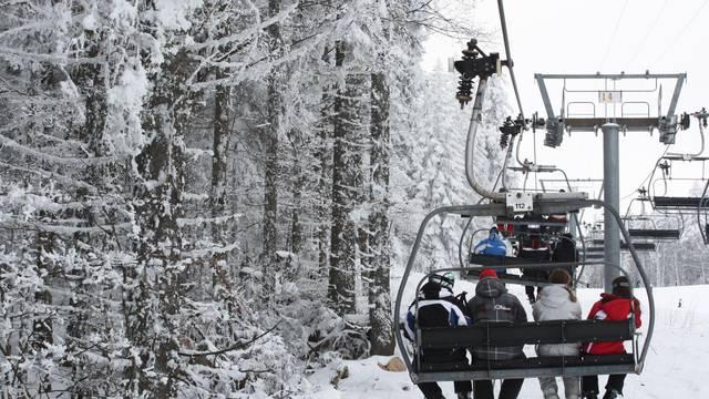 Skijališta žele spasiti sezonu pa su posegli za 'kontroverznom metodom' dezinfekcije prostora