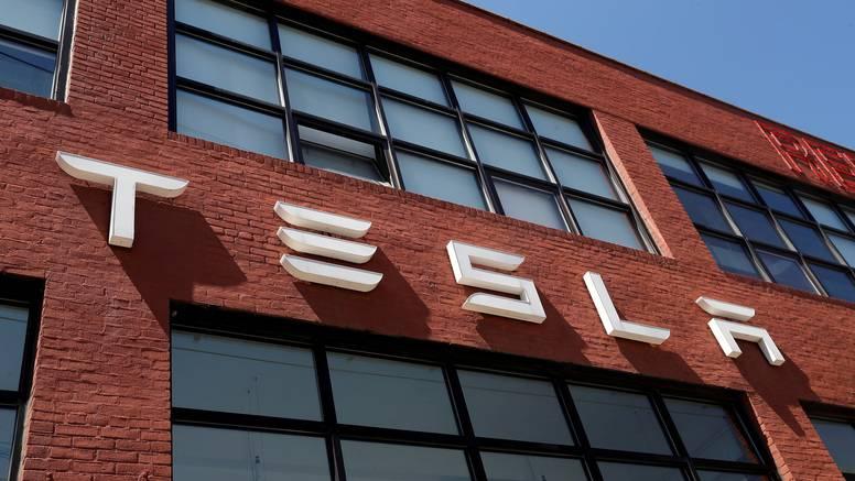 Tesla bivšem radniku mora isplatiti 130 milijuna dolara odštete zbog rasizma na poslu
