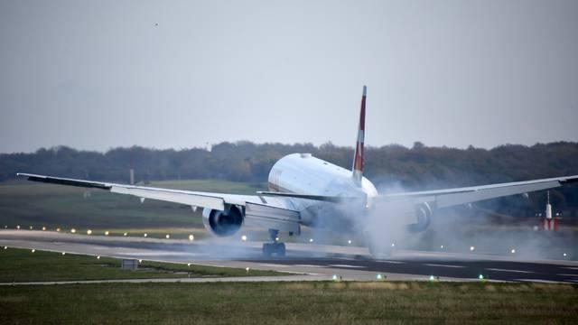 U splitskoj zračnoj luci pukom srećom izbjegli katastrofu: Oštetili zrakoplov pri slijetanju