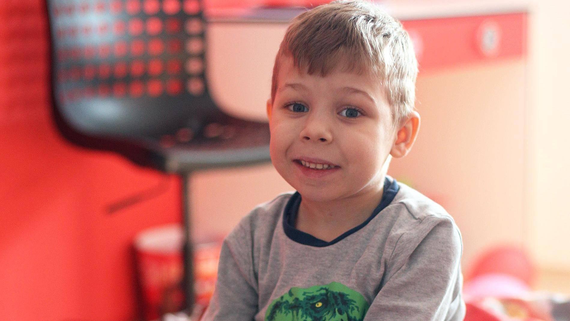 Karlo (5) ima rijetku bolest, a birokrati mu uzeli invalidninu!