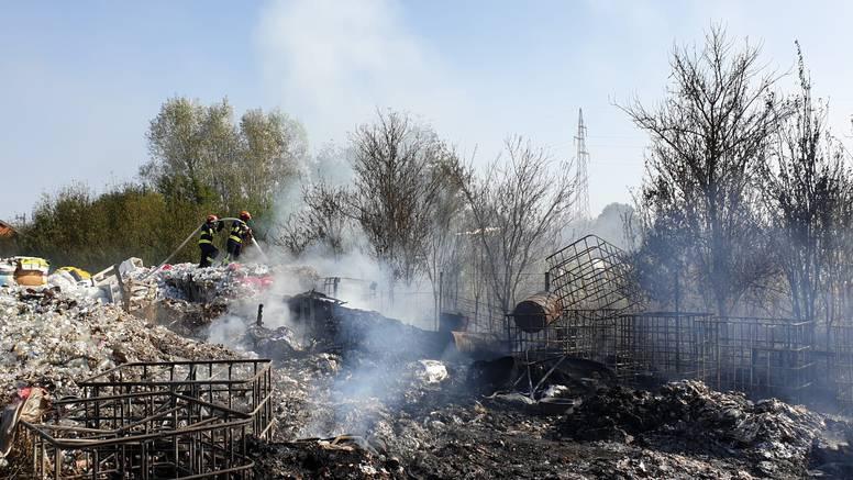 U Budaševu gorio otpad: 'Ne znamo još što je uzrok požara'