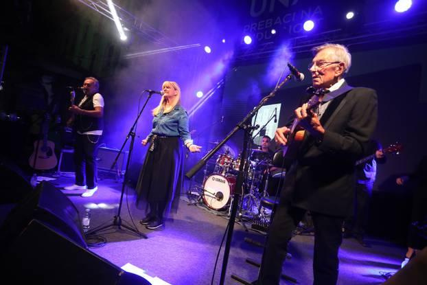Novi Fosili zabavljali okupljene na prvoj večeri Weekend Media Festivala