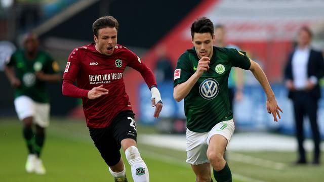 Wolfsburg, firo: 06.04.2019 Football, 1.Bundesliga, season 2018/2019 VfL Wolfsburg - Hanover 96,