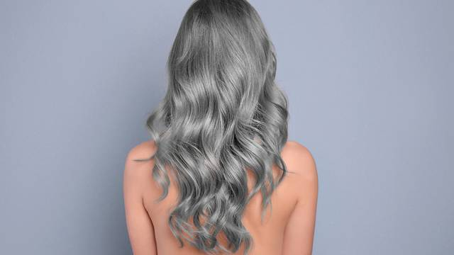 Sijeda kosa može vratiti svoju originalnu boju -  privremeno