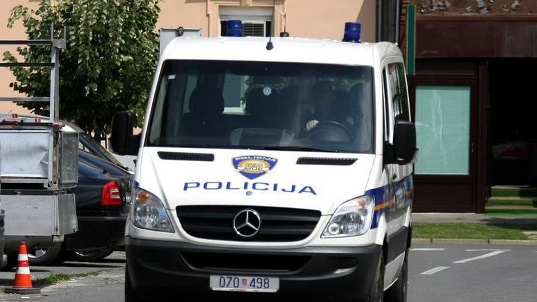 Hrvatska policija optužila je pripadnika srpskih postrojbi da je 1991. više puta silovao ženu