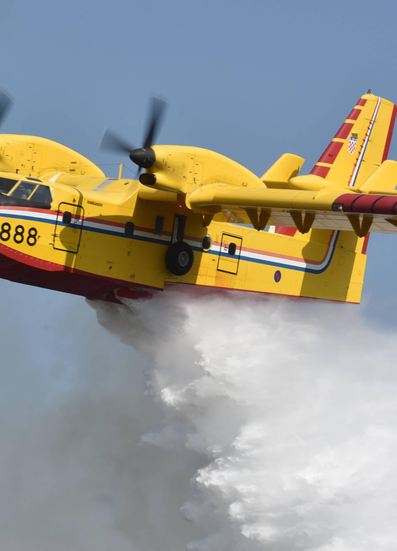 Zračne snage pomagale su u gašenju četiriju požara