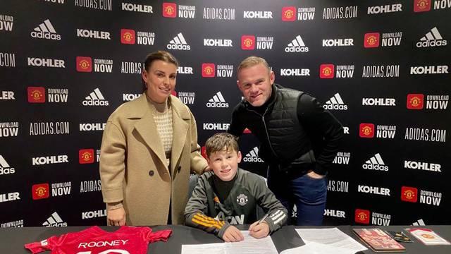 Ima nasljednika: Rooneyev sin potpisao za Manchester United