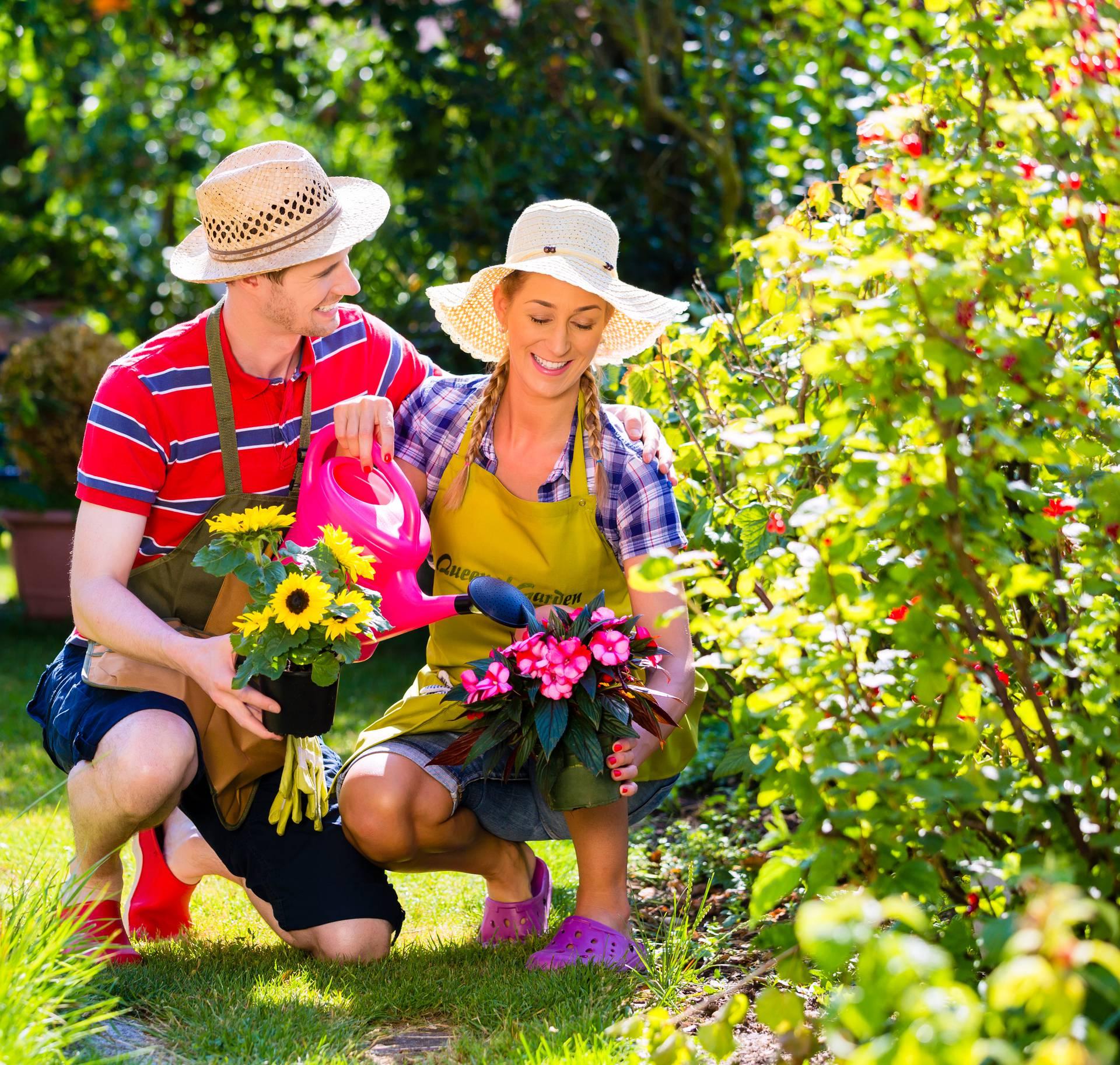 Outfit za vrtlarenje: Praktične tunike i torbice s džepovima