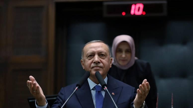 """Erdogan zaprijetio: Migrantima ću """"otvoriti vrata"""" Europe"""