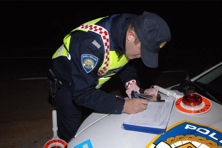 Pijan i drogiran jurio skoro 150 na sat, dobio 28.500 kn kazne